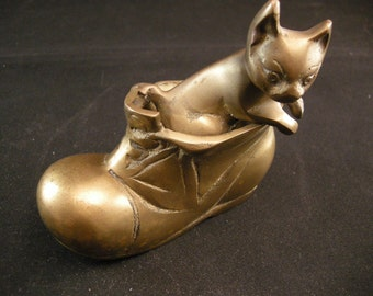 Vintage Brass Cat in Boot Figurine, Collectible Brass Cats, Cat Collectibles, Metal Cat Collectibles, Kitty Kats, Brass Home Decor, Brass