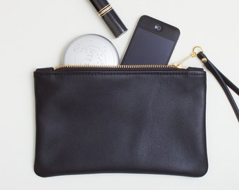 Black Leather Wristlet, Everyday Zipper Clutch, Leather Zipper Pouch, Black Leather Zipper Wallet, Minimal Wristlet, Cell Phone Wristlet