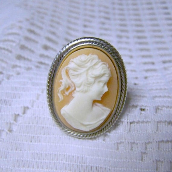 Victorian Cameo ring - Peach Lady Portrait Adjustable Silver Ring
