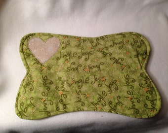 Small Dog Bone Quilted Placemat Jingle Joys