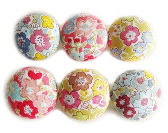 Sewing Buttons / Fabric Buttons - 6 Large Fabric Buttons Set - Floral Buttons
