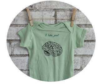 Brain Baby Bodysuit,  I lobe you Funny One Piece, Infant Creeper, One-Piece Snapsuit, Geeky, anatomy, humor, zombie, cotton, green