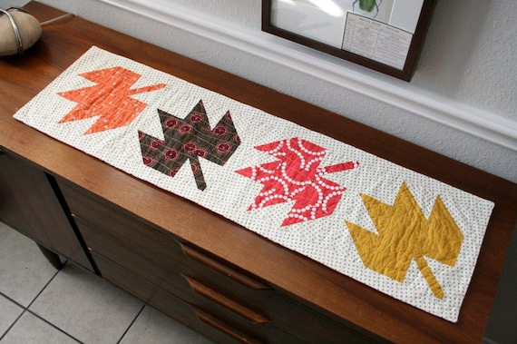 Maple Leaf Quilt Pattern Table Runner : Modern Quilted Maple Leaf Table Runner by QuiltsByEmily on Etsy