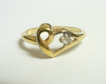 Size 5.75 - vintage heart ring with little clear stone - 18 kt gold filled