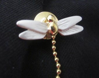 Avon DRAGONFLY TIE TAC gold tone metal pearlized wings