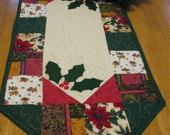Christmas Holly and Berries Appliqued Table Runner