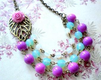 Purple Necklace Flower Necklace Purple Bridesmaid Necklace Lavender Necklace Purple Bib Necklace Purple Statement Jewelry Aqua Glas Necklace