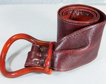 Burgundy Leather Wide Adjustable Belt w/Lucite Buckle Unsigned