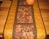 "Pine Cones on Gold Quilted Table Runner, Mountain Lodge Decor, 13 x 70"", Reversible, 100% cotton fabric"