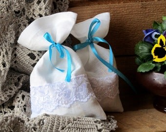White Linen Favor Bag Set of 50, Burlap Wedding Sachet, Small Gift Bag, Handmade with White Lace and Band, Linen Bag, Rustic Decor
