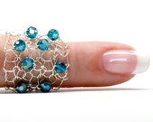 Teal Crystal Ring / Silver Wire Ring / Cocktail Ring / Statement Ring / Silver Ring / Teal Crystal / Wide Band Lapisbeach