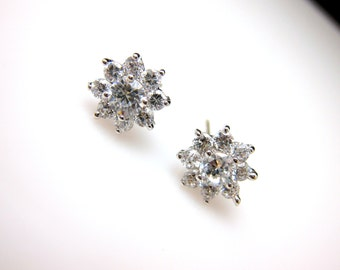 petite bridesmaid gift bridal wedding prom christmas party mini flower shape cubic zirconia luxury post white gold silver earrings stud