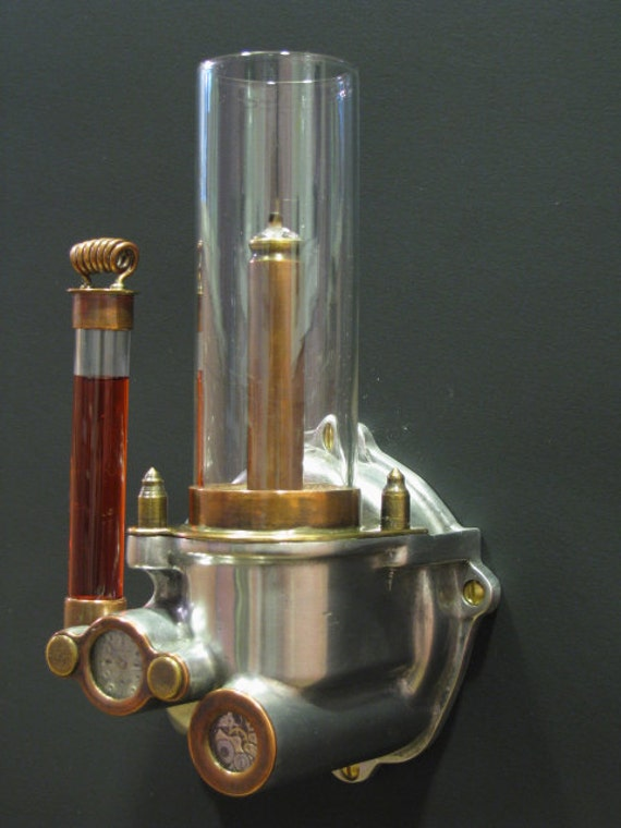 Wall mounted paraffin oil lamp