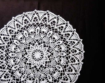 Star Centerpiece Crochet Lace Doily, Large White Table Topper, New Home Decor, Christmas Wedding, Gift for Her, Housewarming, 18 inches