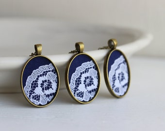 Set of 3 Bridesmaid Pendant Necklaces, Navy Blue Bridesmaid Necklaces, Navy and White Wedding Lace Necklace, Navy Wedding, Navy Blue, Gold