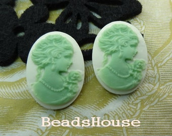 12-00-CM  4 pcs (18 X 25mm) Beautiful Oval Cameo Portrait - Green on White