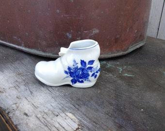 Vintage Colonial Porcelain Blue Rose Shoe