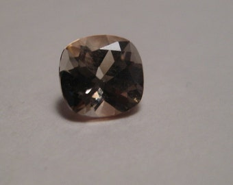 Champagne  Topaz  faceted gemstone ....    Cushion ....... 6 mm  mm  ...............           a2820
