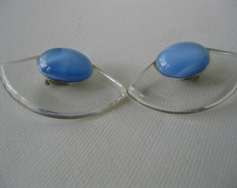 Vintage Clear Lucite and Moonglow Clip earrings