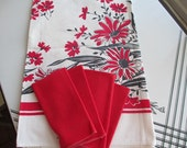 Vintage mid Century 1950's Red Flowered Cotton Tablecloth With Four Napkins