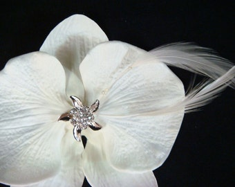 Wedding ORCHID hair clip with RHINESTONE STARFISH feathers / off white orchid clip / bridal orchid hair flower