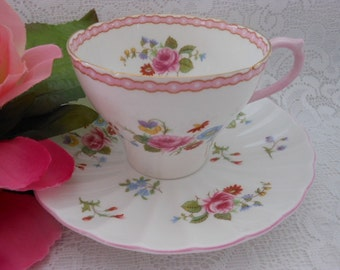 Vintage Shelly Teacup and Saucer Rose and Red Daisy