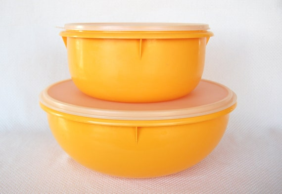 Set Of 2 Vintage Tupperware Yellow Bowls Fix N Mix And Large
