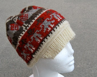 wool hat with brim: Peruvian design with people and birds