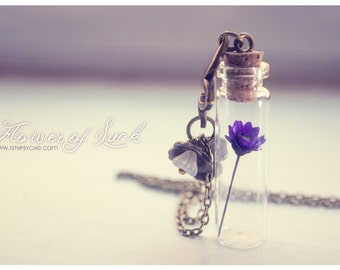 Tiny flower Bottle necklace. Glass bottle pendant. Cute Necklace. dried flower necklace, wish necklace, outdoors gift for her coworker gift