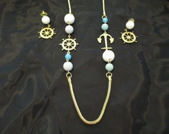 VINTAGE COSTUME JEWELRY   / necklace and matching earrings  /  reduced 3.00 off was 8.99 now 6.00
