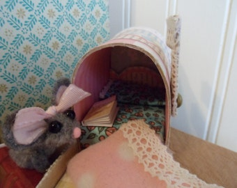 Mouse finger puppet in Mail Box Bed