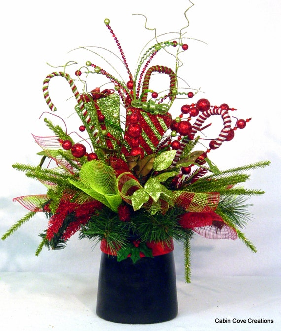 Christmas top hat centerpiece floral arrangement holiday new