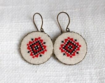 Ethnic Ukrainian earrings - Cross stitch earrings - e028