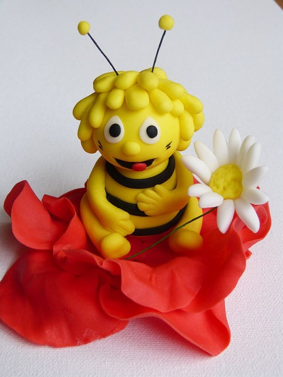 Items similar to SALE- Bumble Bee Fondant Cake Topper on Etsy
