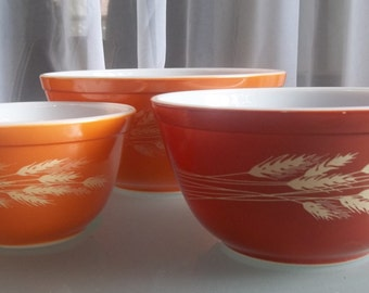Pyrex Mixing Bowls with Wheat Design, Vintage Kitchen, Mixing Bowls, Traditional Pyrex Design, Orange Bowls