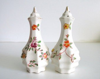 Vintage Japanese Floral Salt Pepper Shakers