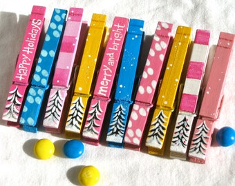 10 CHRISTMAS CLOTHESPIN painted and glitter pink blue yellow trees magnetic