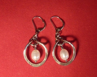 Forged steriling silver and fresh water pearl earrings