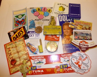 Vintage Lovers!  Vintage Collection of Collectibles and Advertising