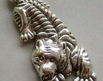 Silver Tone Metal Engraved Tiger Pendant Unisex Jewelry 50mm x 25mm  T1526