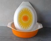 Daisy Pyrex Casserole Dish