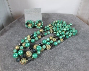 STUNNING VINTAGE Green Sugar beads and Crystal Bead Necklace, Art beaded and Crystal, Multi - Strand Necklace and Earrings Demi