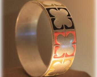 Modern Abstract Designer Liz Claiborne Stainless Steel Bangle Bracelet, 4 Leaf Clover Bracelet, Silver Flower, Black, Orange, Yellow