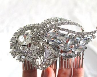 Bridal swarovski crystal headpiece. Rhinestone jewel wedding haircomb. VINTAGE CHARM.