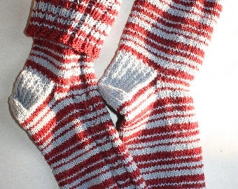 28 cm /// 11 inches Gorgeous Woolen Hand Knitted Socks-Perfectly keep heel - Men gift - US Men 10.5 /// US Women 12 /// EU 44