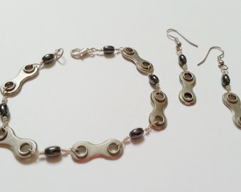 Bike Chain and Hematite Ladies Bracelet and Earrings Set - Hand wired Silver plated LBSET02