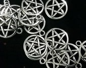 Tibetan Silver pentagram charm 20mm occult wicca goth metal art supply --SALE!-- 2 For the Price of 1