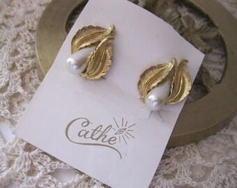Vintage 1960's Cathe' Gold Leaf & Pearl Earrings
