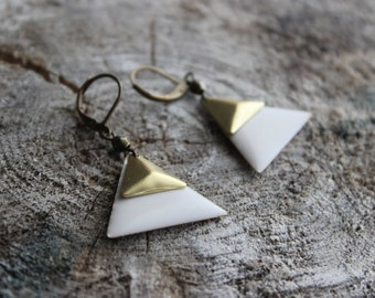 Boucles d'oreilles géometriques, triangle et laiton (BO-675)