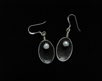 Oval, silver dangle earrings with fresh water pearl and charcoal grey patina